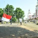 MASJID AGUNG AT-TIN GELAR UPACARA PERINGATAN HARI ULANG TAHUN KE 69 REPUBLIK INDONESI